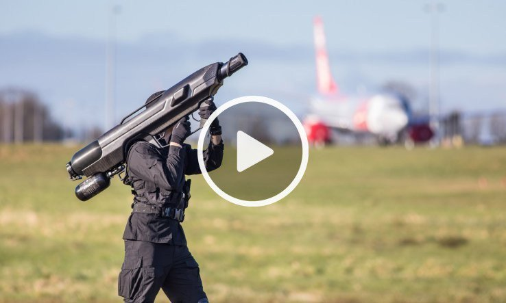 Bazooka captures Drones with a giant net