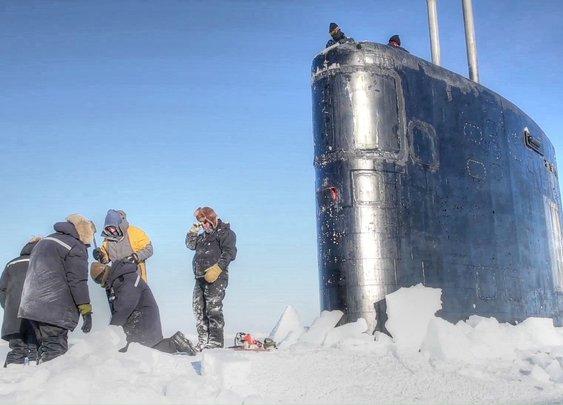 Nuclear Submarine Breaking Through Arctic Ice - YouTube