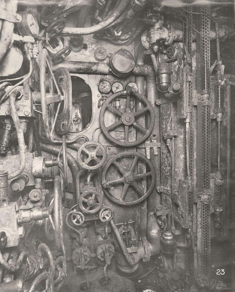 Photos From Inside A First World War German U-Boat (1918)