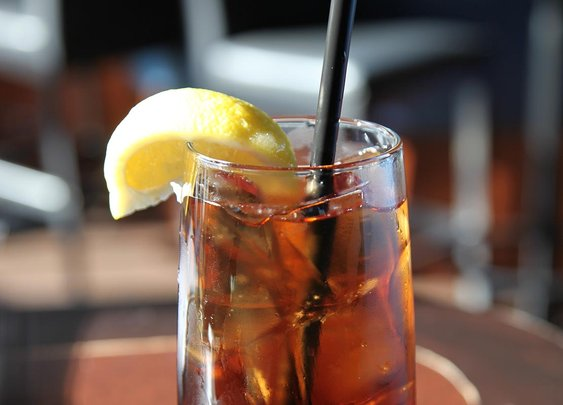 How to Make a Long Island Iced Tea that Doesn't Suck | Bevvy