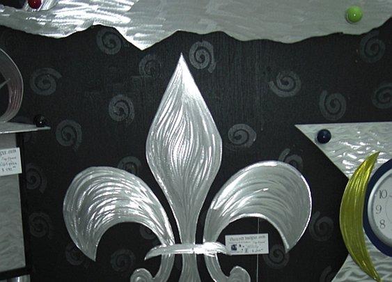 Fleur de Lis, Fleur de Lis sculpture,