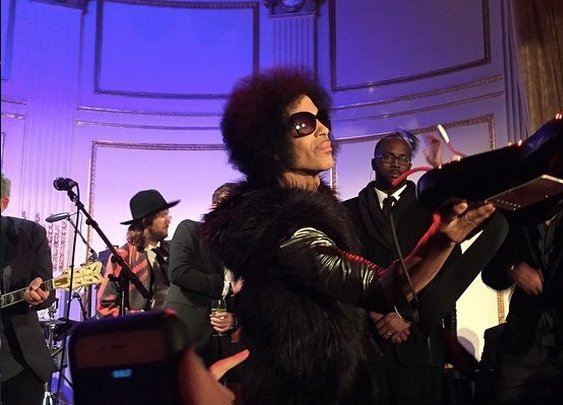 'Dearly Inebriated': The Story Behind One of Prince's Last Great Performances at the 'SNL40' After