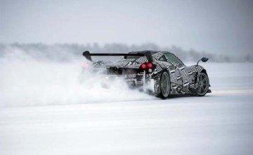 Pagani Huayra BC Goes Drifting on Ice