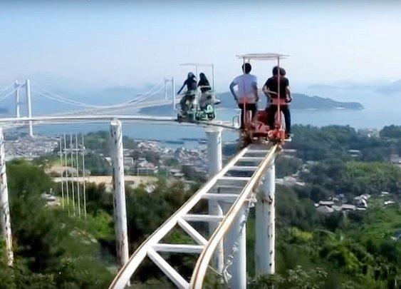 Self-Propelling Roller Coaster in Japan