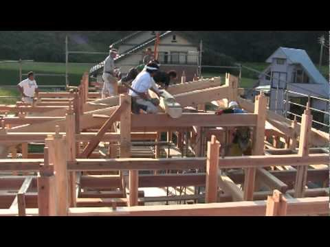Japanese Workers Building a House Without Nails Or Screws