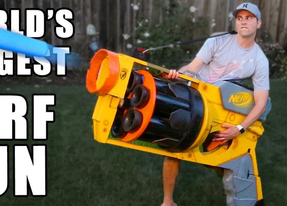 World's LARGEST NERF GUN!! - YouTube