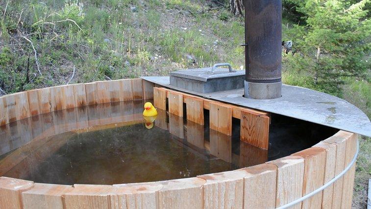 Build a Rustic Cedar Hot Tub for Under $1,000