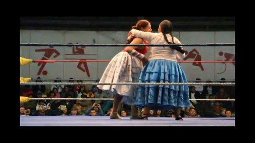 Cholita Wrestling - YouTube