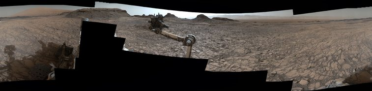 Rover's Panorama of Entrance to 'Murray Buttes' on Mars