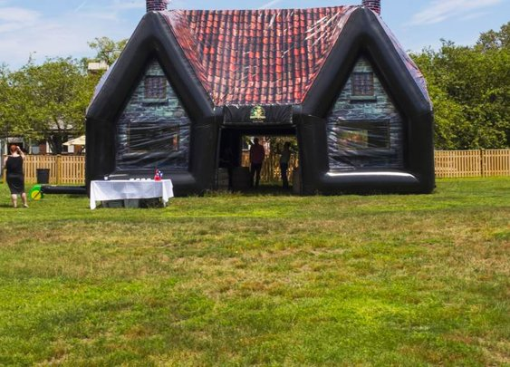This Inflatable Irish Pub Turns Your Backyard Into a Bar | FWx