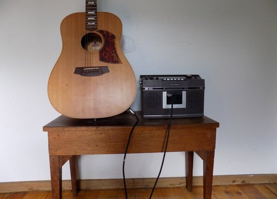 Turn a Tape Player Into a Guitar Amp