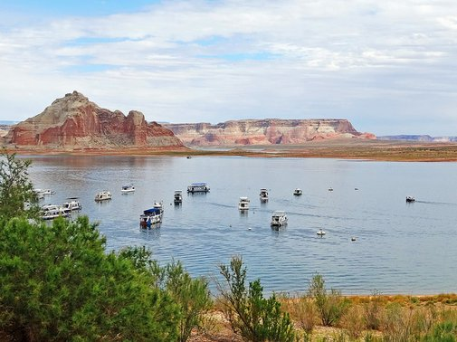 Top 5 Houseboat Vacation Spots to Add to Your Bucketlist