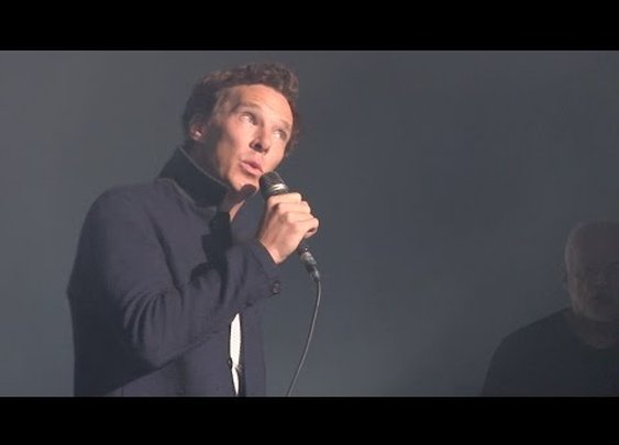 Benedict Cumberbatch sings Comfortably Numb with David Gilmour