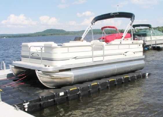 5 Advantages of Buying and Owning a Pontoon Boat - Another Bucket List