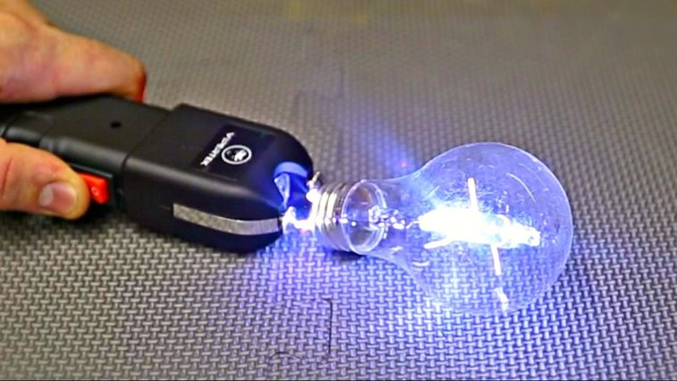 What Happens If Lightbulbs Are Zapped With a Taser