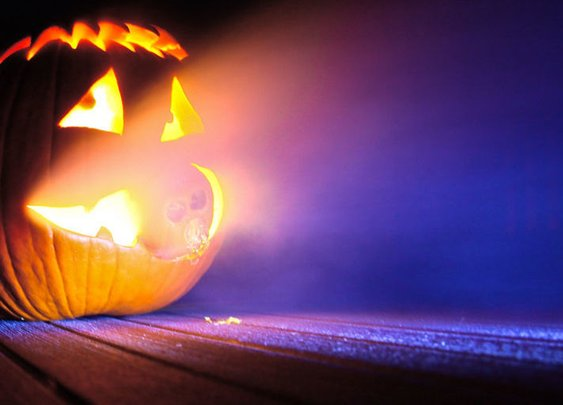 How to Build a Fog Machine For a Spooky Halloween