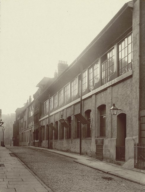 The Photographers of 1870s London Who Documented Their Disappearing City