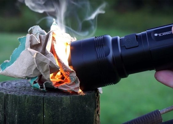 The FlashTorch Mini can start a fire!