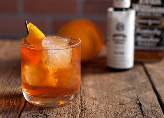 7 Essential Cocktail Recipes You Should Memorize Right Now | Man Made DIY | Crafts for Men | Keywords: how-to, diy, manmade-original, cocktails