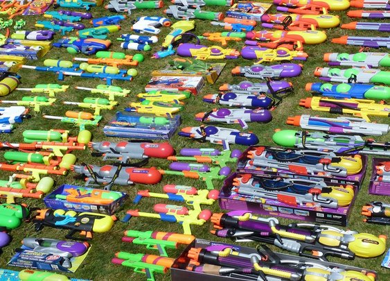Super Soaker Squirt Guns List and History 1991-2017 on theChive.com : theCHIVE