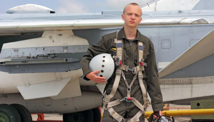Air Force to allow average looking, uncool people to become fighter pilots