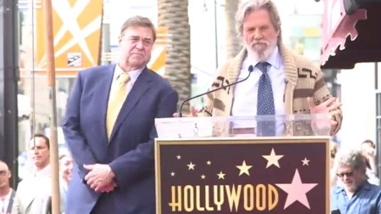 Jeff Bridges honors John Goodman by bringing back The Dude