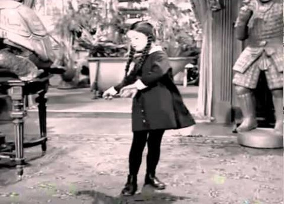 The Addams Family dancing to Blitzkrieg Bop