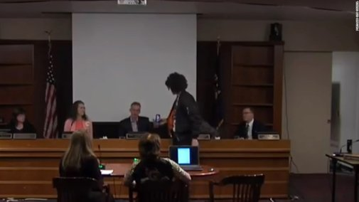 Protester's Pepsi gift to mayor doesn't go down smoothly