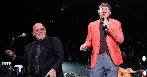 See Billy Joel, Kevin Spacey Sing 'New York State of Mind'