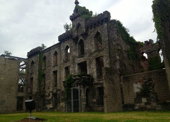 Roosevelt Island Smallpox Hospital Ruins – New York, New York
