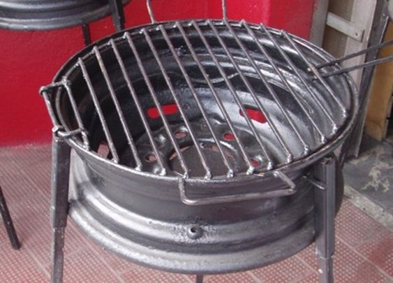 BBQ Grill Made From Tire Rim