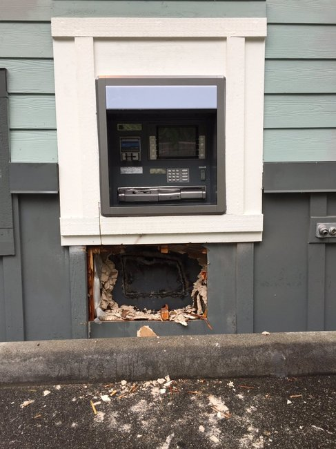 Police: Thieves using blowtorch to steal from Everett ATM accidentally set cash on fire | Q13 FOX News