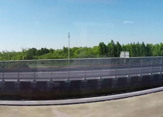 Blink And You'll Miss It: Two Maglev Trains Passing Each Other [GabeMODE]