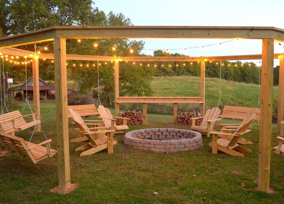 This DIY Backyard Pergola Is the Ultimate Summer Hangout Spot