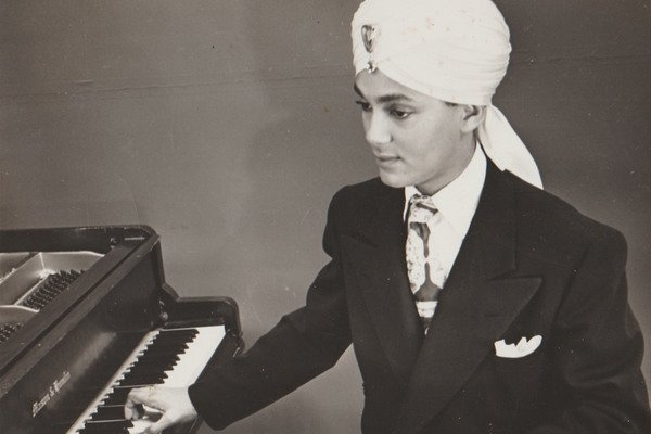 How a Black Man From Missouri Passed as an Indian Pop Star