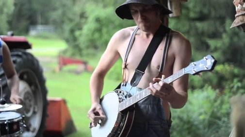 Thunderstruck on Banjo and Spoons! - YouTube