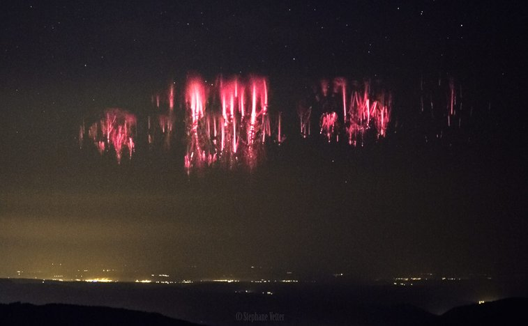 APOD: 2017 June 15 - Red Sprites over the Channel