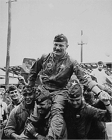 Robin Olds, 84, Fighter Ace and Hero of Big Vietnam Battle