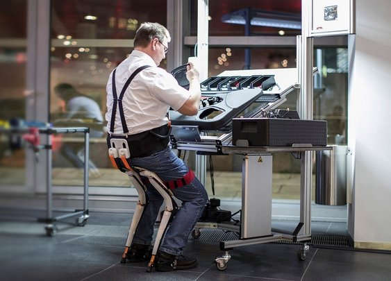 Noonee Chairless Chair Reduces Physical Strain at Work - Bonjourlife