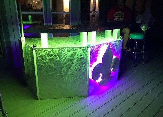 Fluer-de-lis bar outdoor bar with Led lighted bar