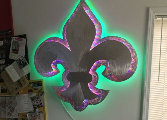 led sculpture with color changing led lights
