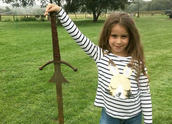 Girl, 7, finds 4ft Sword in same lake where King Arthur was said to have hurled Excalibur - Mirror Online