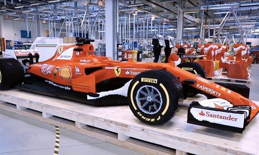 Watch LEGO Build a 349,911-Piece Life Size Ferrari F1 Car - Airows