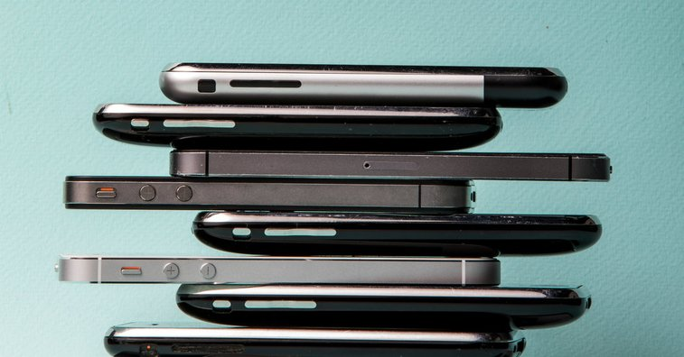 With a $1,000 Price Tag, Apple's iPhone Crosses a Threshold