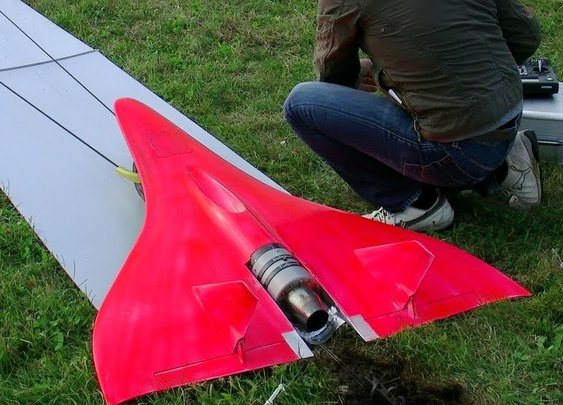 Flying an RC Plane Like a Real Jet (451 MPH)