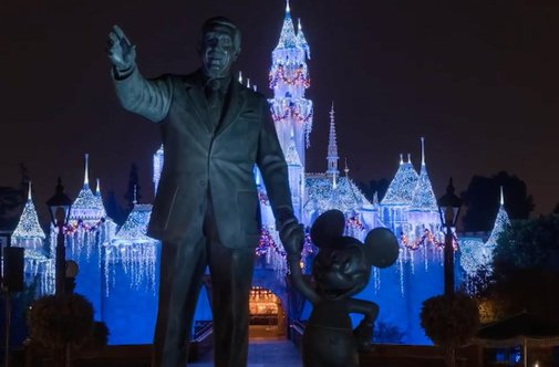 Watch Disneyland transform for the holidays - timelapse video