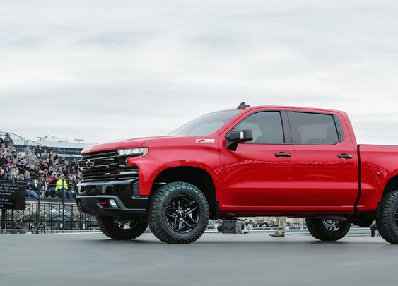 Surprise: The All-New 2019 Chevrolet Silverado 1500 TrailBoss Revealed, Examined And Rolled Out! [The Fast Lane Truck]