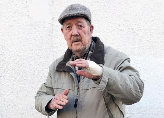 Hero military veteran, 88, declares 'fear is not in my dictionary' as he saves woman from five knife-wielding robbers