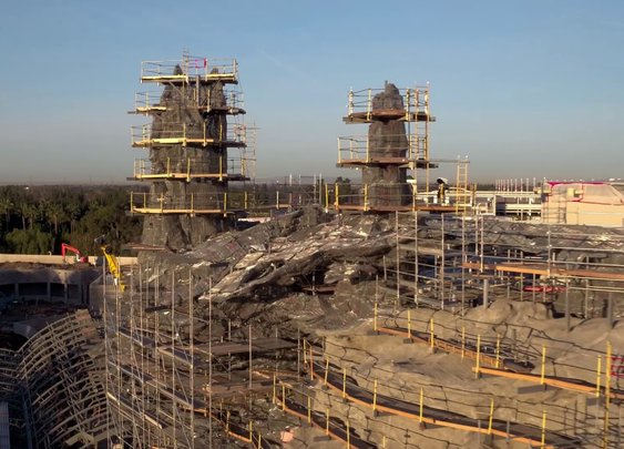 VIDEO: Flyover the Star Wars: Galaxy's Edge Construction Site - YouTube