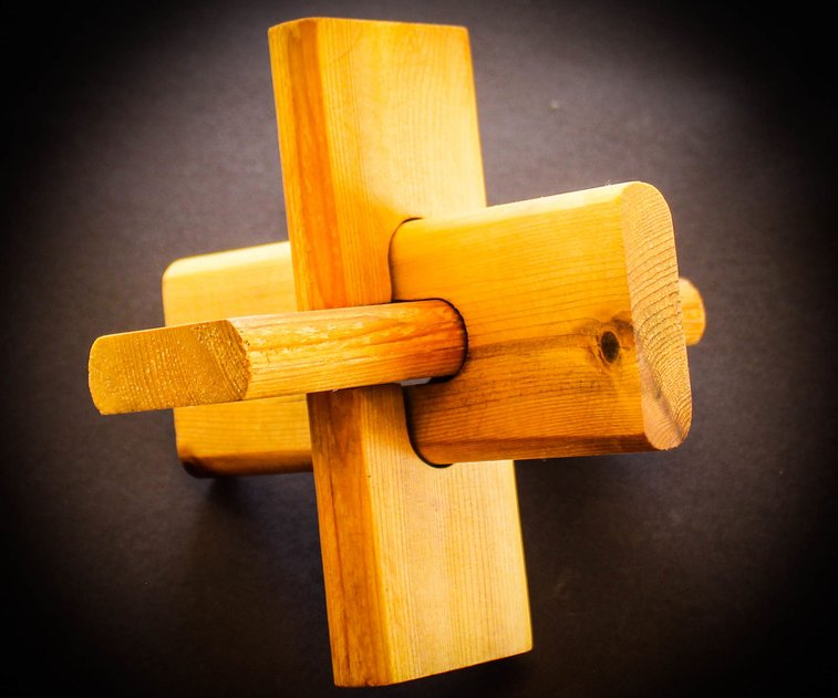 Wooden Lock Puzzle: 12 Steps